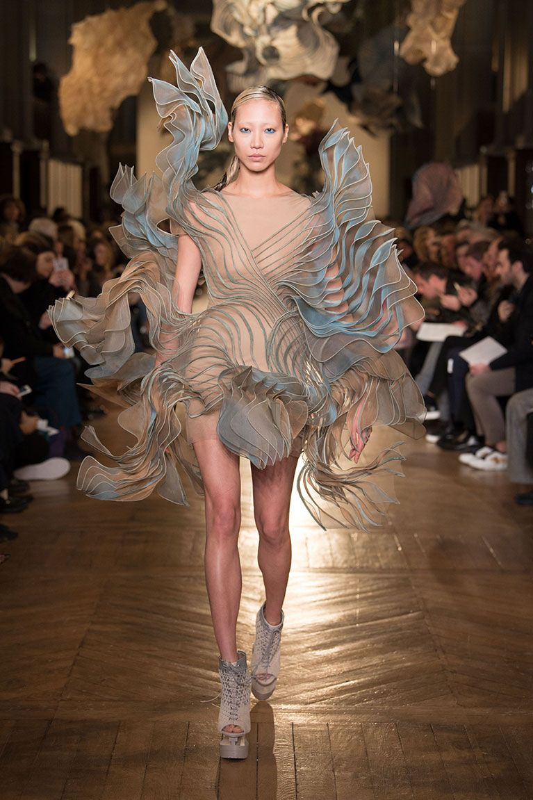 3D Printed Fashion: The Shape of Things to Come
