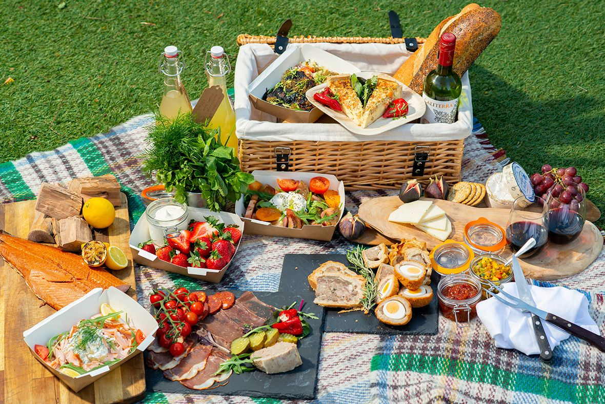 The best luxury picnic hampers London
